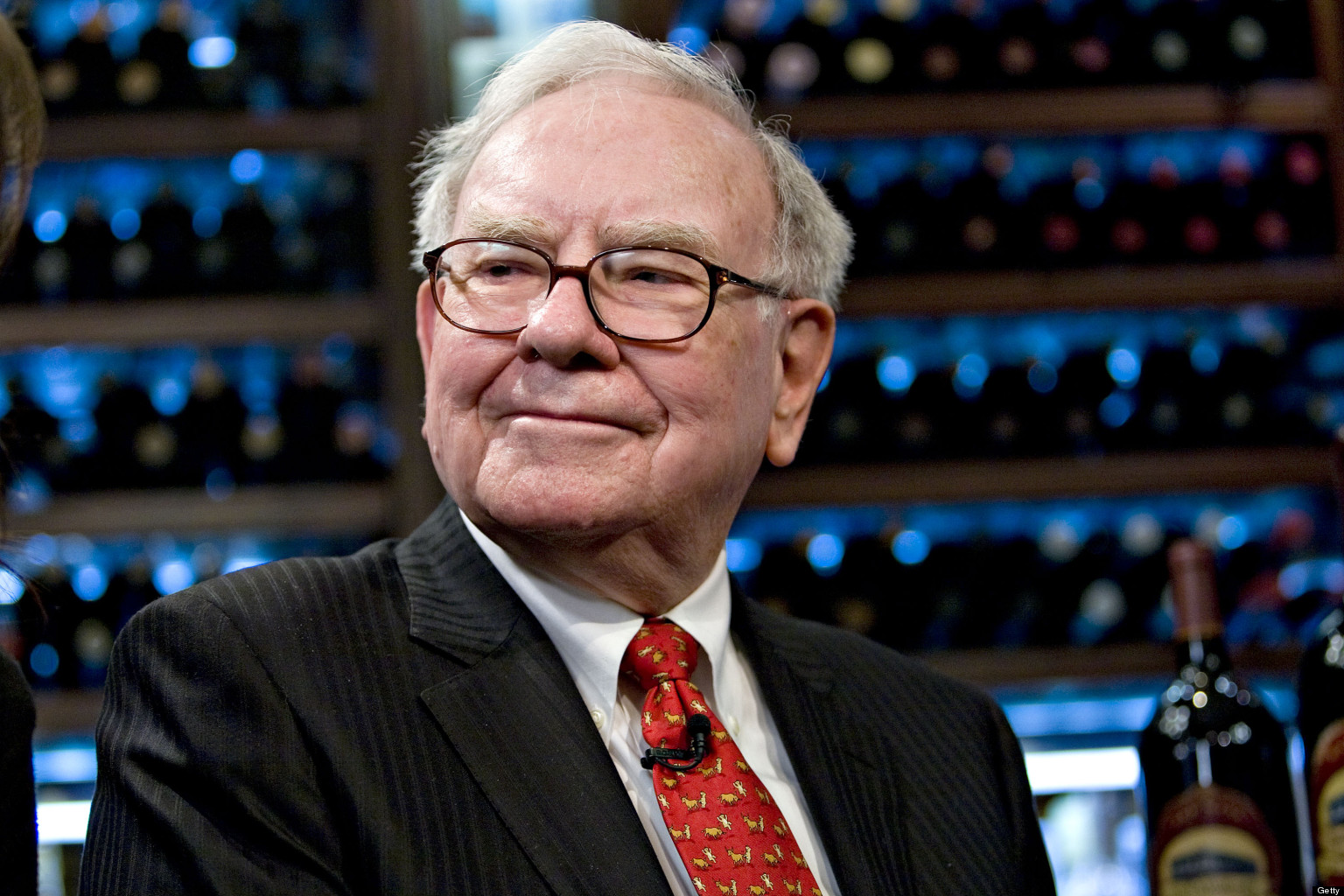 Buffett Repurchases Over $900 Million in Berkshire Stock