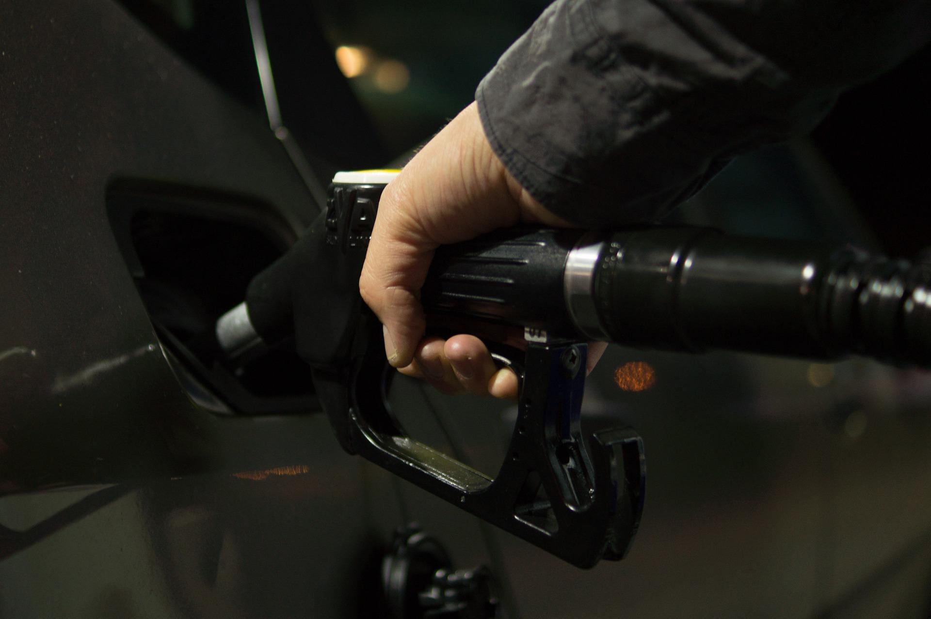 Oil ETFs Surge on Bets for Strengthening Fundamentals
