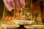 Gold, USD ETFs Diverging on Renewed Fed Rate Concerns