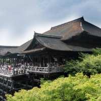 Japan ETFs Surge on Stimulus Bets After Ruling Bloc's Landslide Election Win