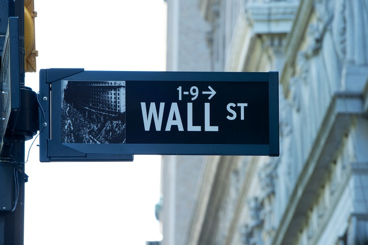 U.S. Stock ETFs Dip as Energy Drags on Markets