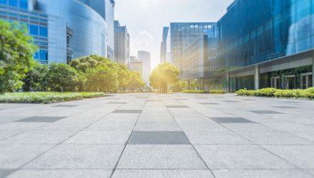 ESG ETFs Help Retail Investors Track Institutional-Level Strategies