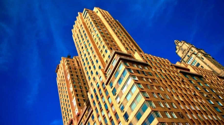 The Huge Difference Between Traded and Non-Traded REITS