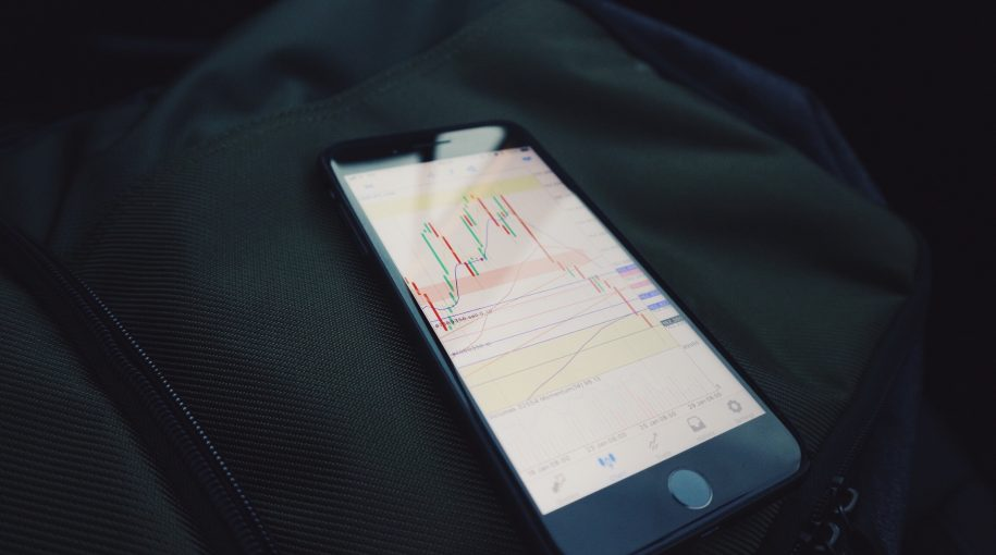 Robinhood Surpasses E-Trade in User Numbers