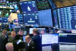 Dow Dismisses Trade Concerns, Climbs Over 100 Points
