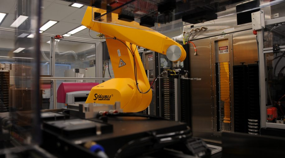 Robotics in Smart Medical Device Manufacturing
