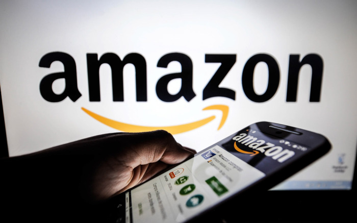 Amazon Passes $2,000 Per Share, Nears $1T Market Cap