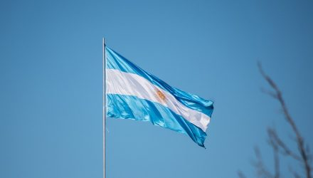 Argentina Rate Hike Comes After Currency Tumbles