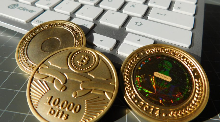 Bitcoin Wakes Up, Reaches Two-Week High Near $7K