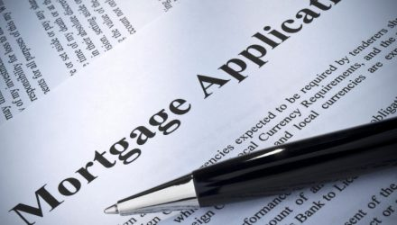 Mortgage Applications Fall Amid Rising Interest Rates