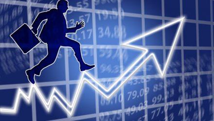 Stocks Facing the Economy Versus a World in Turmoil