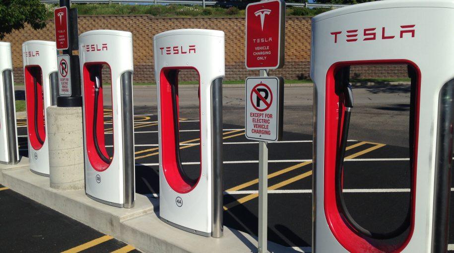 Tesla Misses on Bottom Line but Forecasts Profits in Second Half