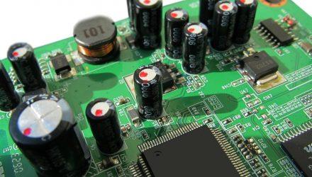 Investors Flee Semiconductor ETF 'SMH'