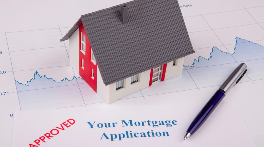 Mortgage Applications Fall as Rates Surpass 5%