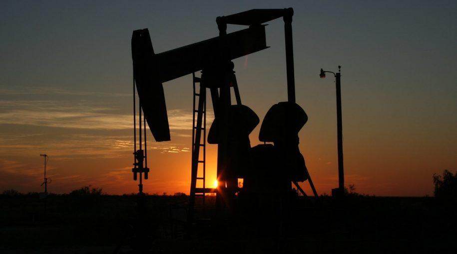 Oil ETFs Break Down As Rising Production Pressures Market
