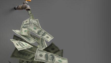 ETFs Gain $25.2B While Mutal Funds Lose $56B