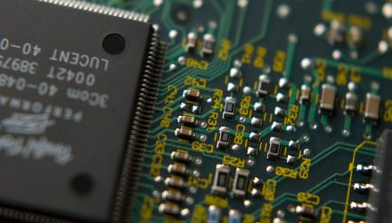 Samsung Warning Deals Blow to Semiconductor ETFs