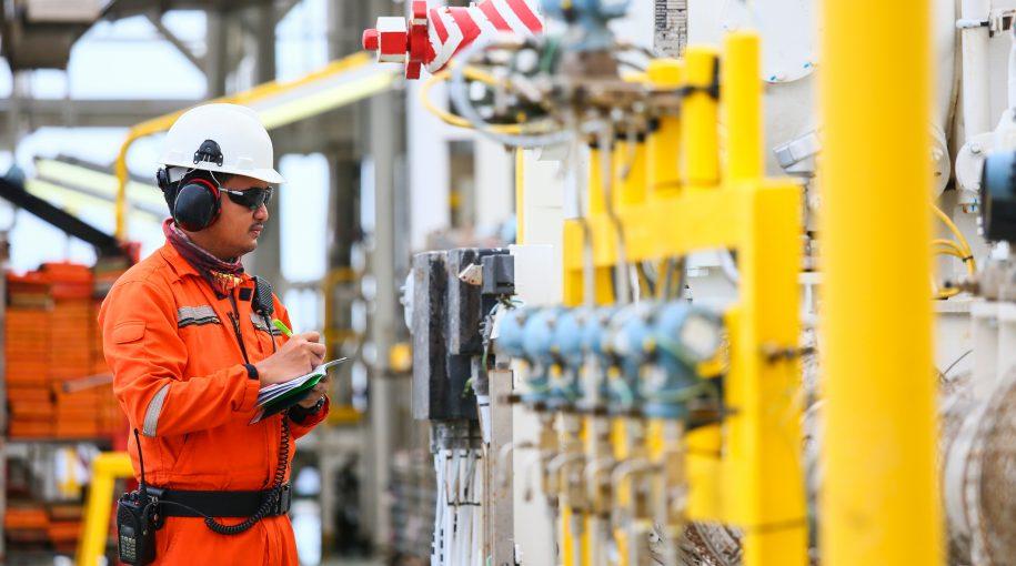 Supply Concerns Help Prop Up Oil ETFs