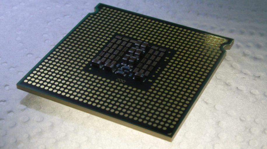 Intel Names Robert Swan CEO