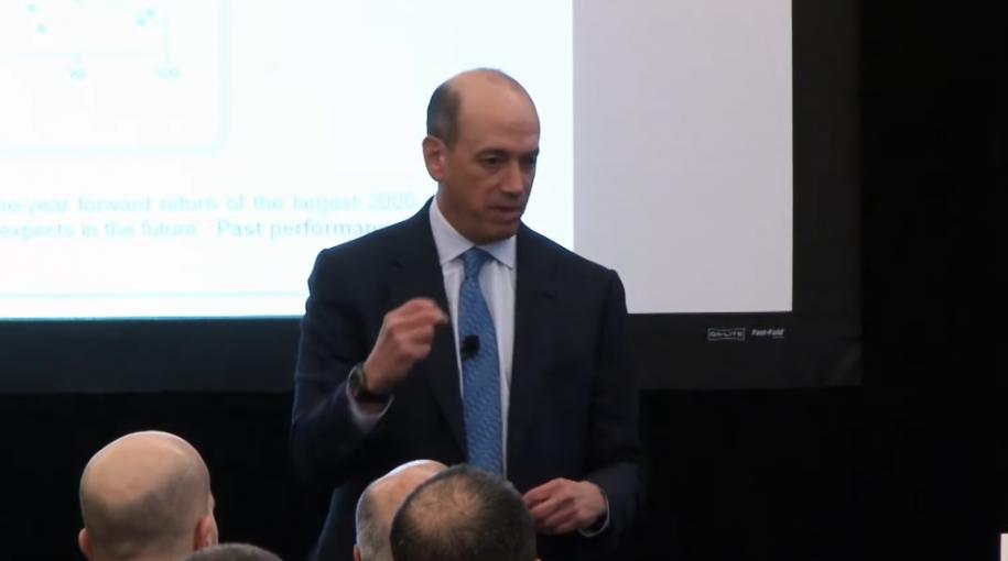 Joel Greenblatt Likes Companies That Gush Cash