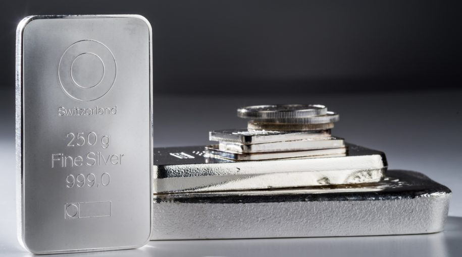 """Expert Is """"Uber Bullish"""" On Silver, Here's Why"""