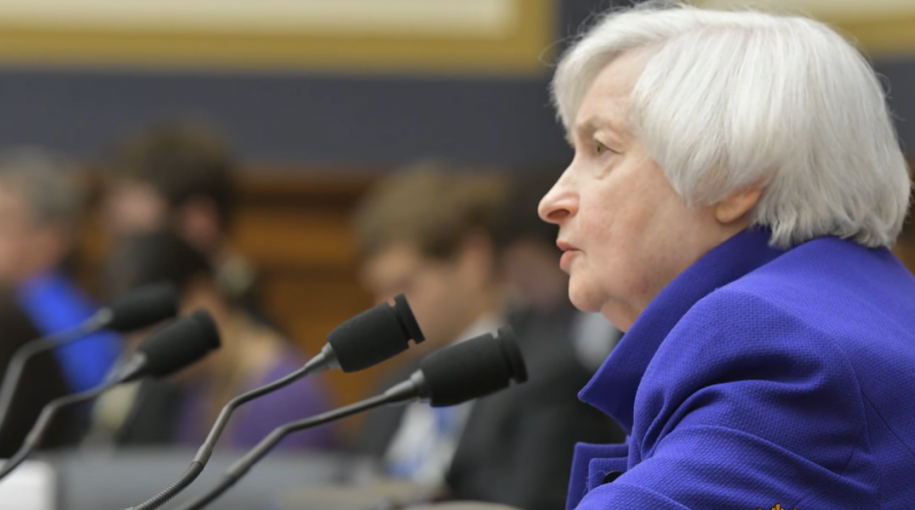 Former Fed Chair: Inverted Yield Curve a Sign of Rate Cut, Not Recession