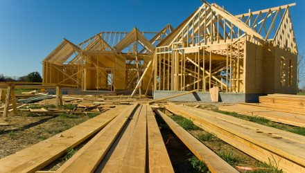 Homebuilder ETFs Find Strength from Falling Treasury Yields