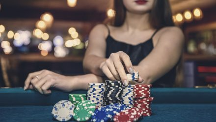 How Active Fund Management Is Like Playing Poker