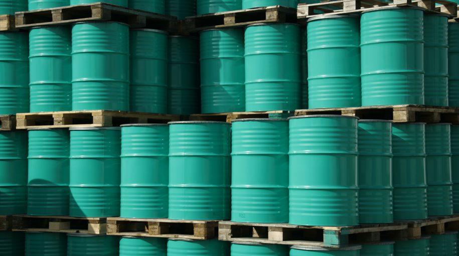 Oil Prices Retreat on Worries of Weak Global Demand Growth