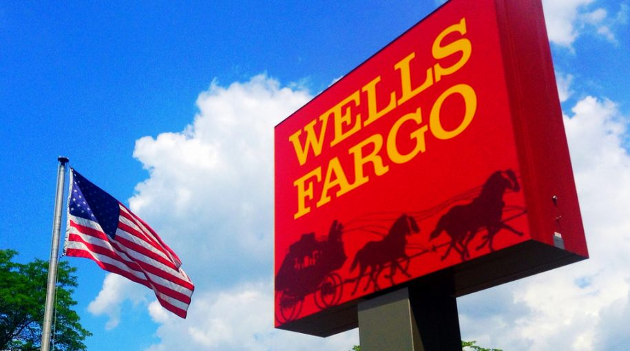 J.P. Morgan, Wells Fargo Report Strong Earnings; Dow Climbs Over 200 Points