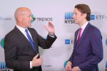 How to Use Gold ETFs to Balance Investing Risk