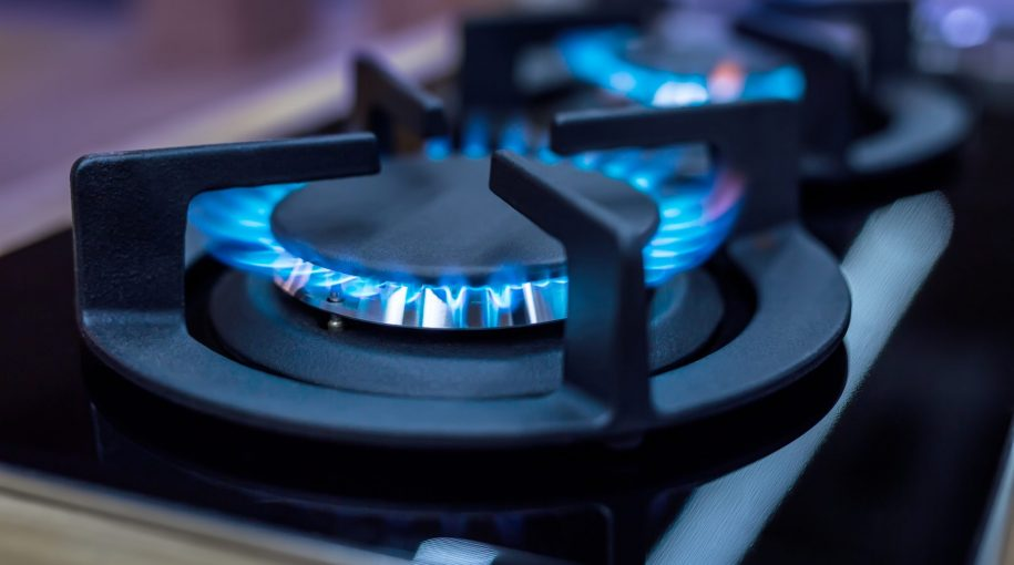 Natural Gas ETF Climbs as Weather Conditions Heat Up