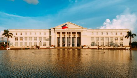 Philippines ETF Climbs on Rate Cut Bets