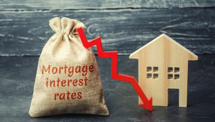 U.S. Stock ETFs Meander as Fed Cuts Interest Rates 0.25%