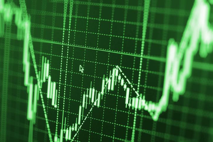 Trade Hopes Give U.S. Stock ETFs Momentum