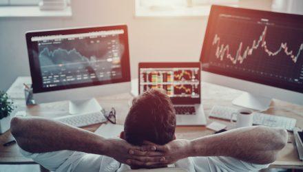 U.S. Stock ETFs Dip, Ending Three-Day Streak