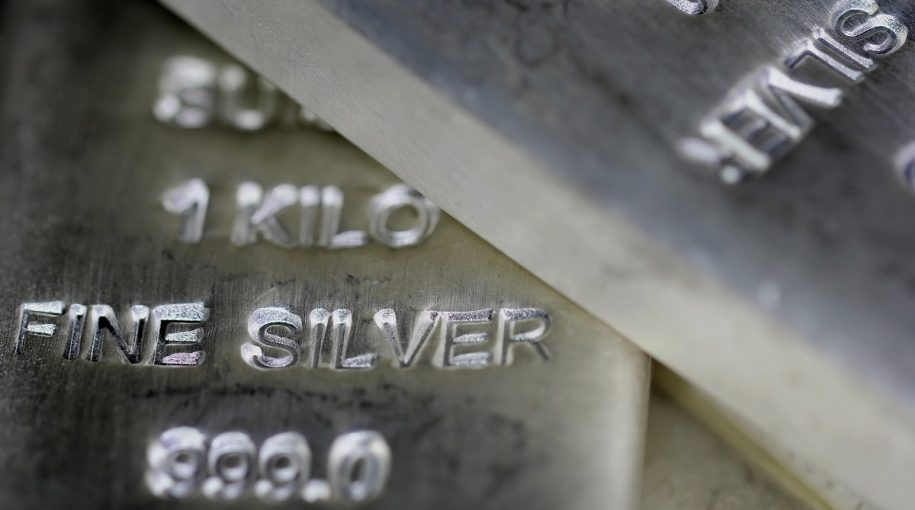 Silver ETFs Shine As Investors React To Economic Uncertainty