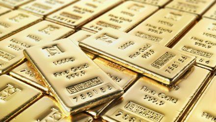 Gold Hits 7-Year High Amid Ongoing Coronavirus Concerns