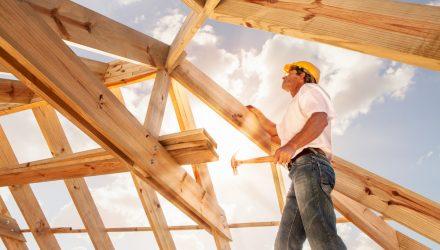 Homebuilder ETFs Climb as Investors Return to This Battered Segment