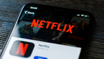Strong Demand for Netflix Bonds Spurs Low Yield Offering