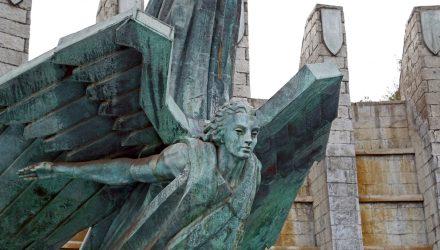 What Fallen Angel Bonds Offer a Portfolio