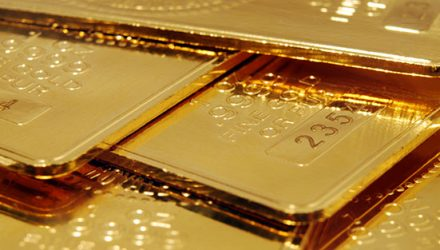 Gold Is Within Striking Distance of Its All-Time High. Here's How to Play the Rally