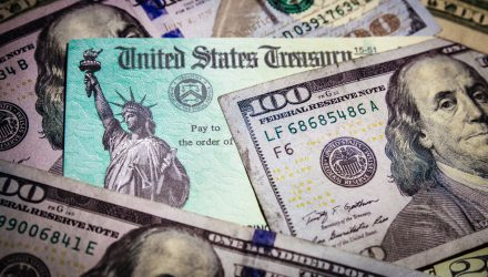 Longer-Term Treasury ETFs Surge As Bond Yields Fall