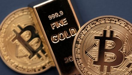 As Investors Flee Crypto, Gold Holds Steady