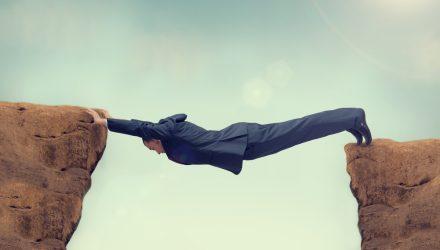Bridging the Gap between Money Markets and Long-Term Bonds?