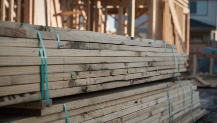 Will Rising Lumber Prices Translate to Homebuilder Strength?