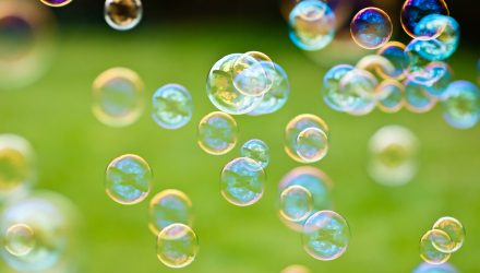 Former Japan Pension Manager Warns of ESG 'Bubble'