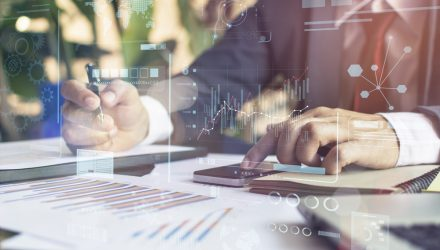 Alternative Bond ETF Strategies to Diversify Risk, Maintain Yields