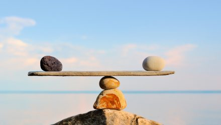Use an Equal-Weight Strategy to Help Keep Volatility in Check