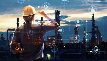 Tightening U.S. Supply Helps Lift Oil ETFs